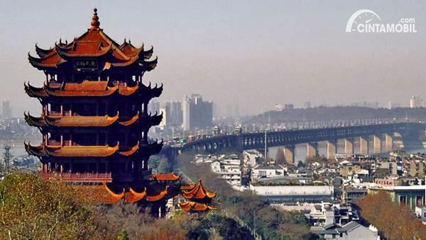 Gambar menunjukkan berpergian ke Wuhan Cina