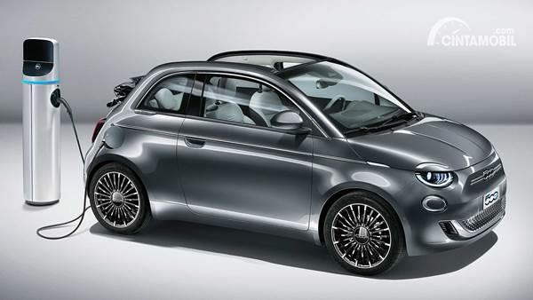 Fiat 500e charging