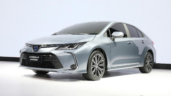 Foto Toyota Corolla hybrid untuk pasar Indonesia