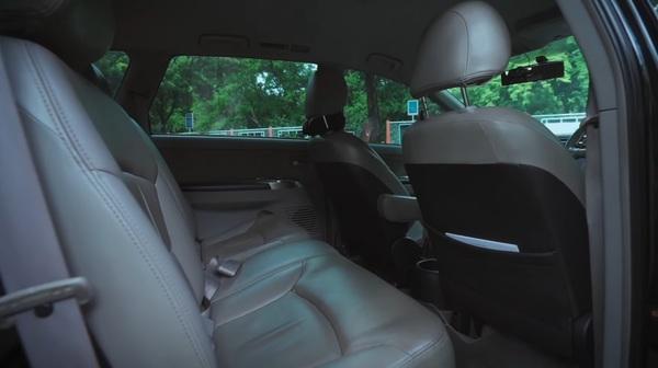 Foto jok tengah dan depan milik Mitsubishi Grandis 2.4 AT 2006