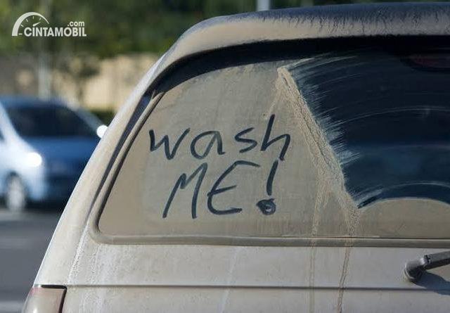 Tips Berkendara Aman Buat Yang Malas Mencuci Mobil