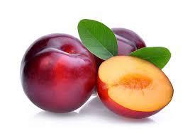 Gambar menunjukan buah plum yang menggandung banyak vitamin C dapat mencegah sopir dari Virus Corona