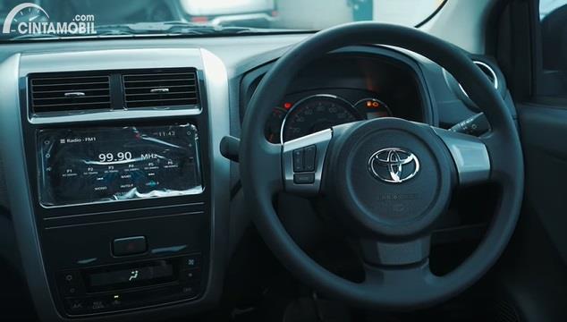 Gambar menunjukan Interior agya baru