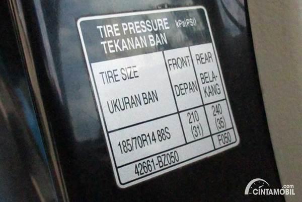 ukuran tekanan ban mobil