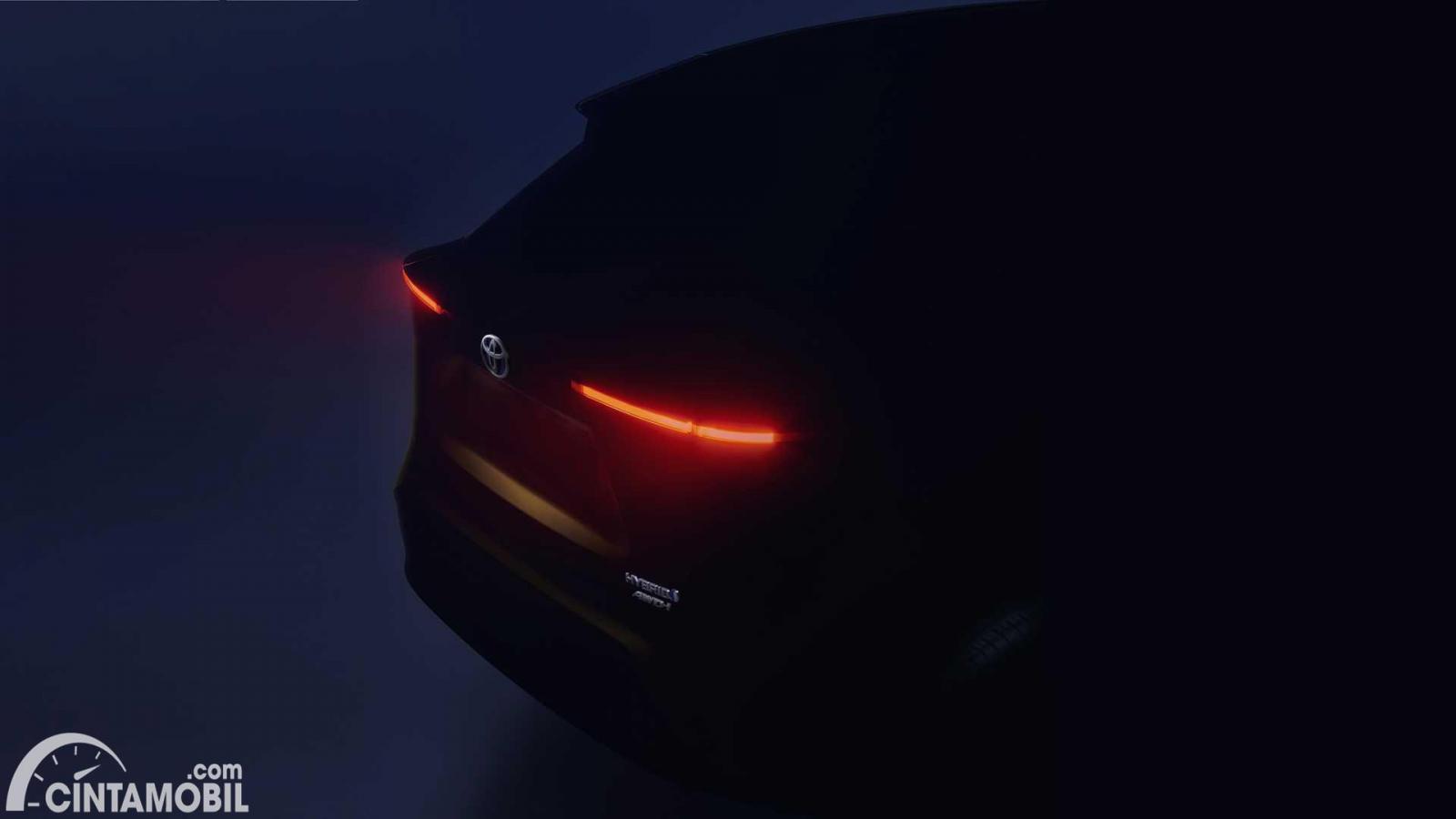 Teaser crossover kompak terbaru Toyota yang mengambil basis dari Toyota Yaris