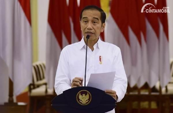 Presiden Joko Widodo meminta agar lembaga pembiayaan memberikan kelonggaran kredit mobil dan motor
