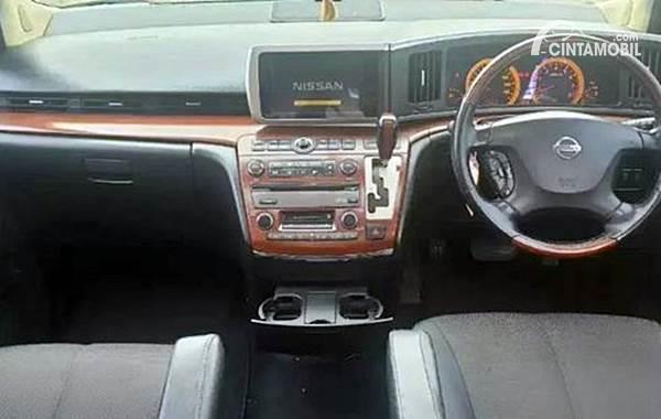 Nissan Elgrand dijual di Cintamobil.com
