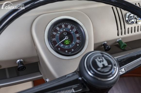 Gambar menunjukkan panel indikator VW e-Bulli Concept