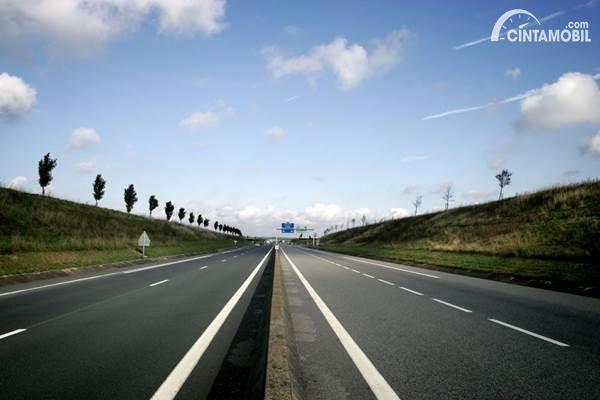 Jabodebek PSBB, Jumlah Kendaraan di Jalan Tol Cipularang Turun Drastis