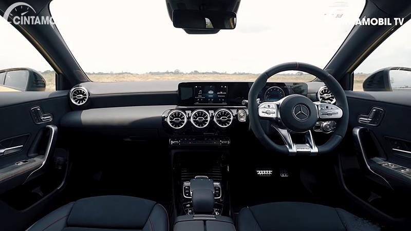 Dashboard Mercedes-AMG A 35 4MATIC 2020