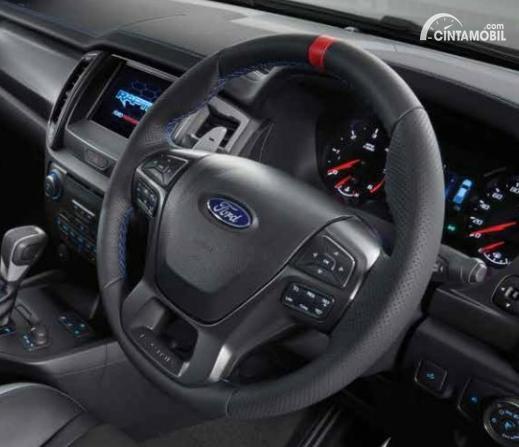 Gambar menunjukkan setir Ford Raptor 2020