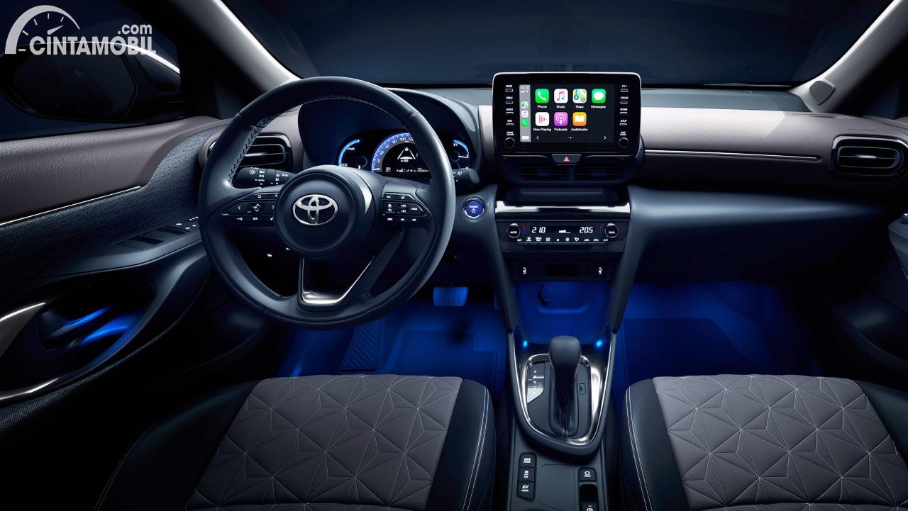 Gambar menunjukkan In-Car Entertaiment System Toyota Yaris Cross 2020