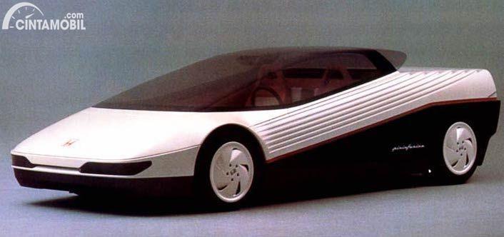 Mobil prototype Honda HP-X yang dipamerkan tahun 1984