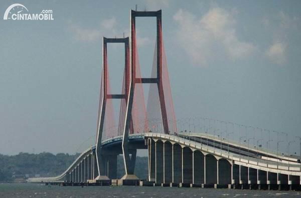 Jembatan Suramadu Ditutup Selama PSBB Surabaya, Benarkah?