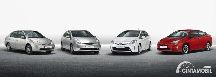 Empat generasi Toyota Prius, mobil hybrid pertama Toyot