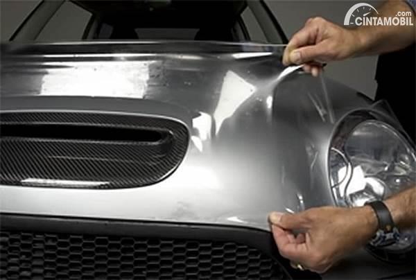 Pemasangan laminating mobil MINI
