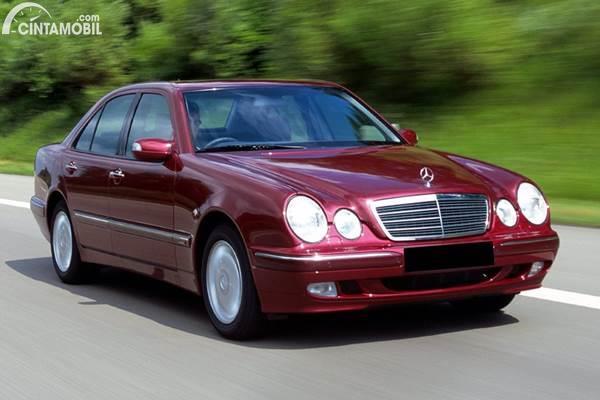 Mercedes-Benz E-Class New Eyes