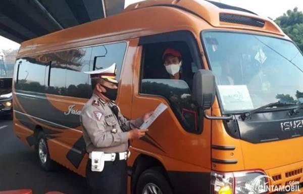 Polisi Perketat Awasi Travel Gelap yang Masih Ngeyel Antarkan Pemudik