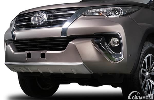 Aksesoris bemper depan Toyota Fortuner