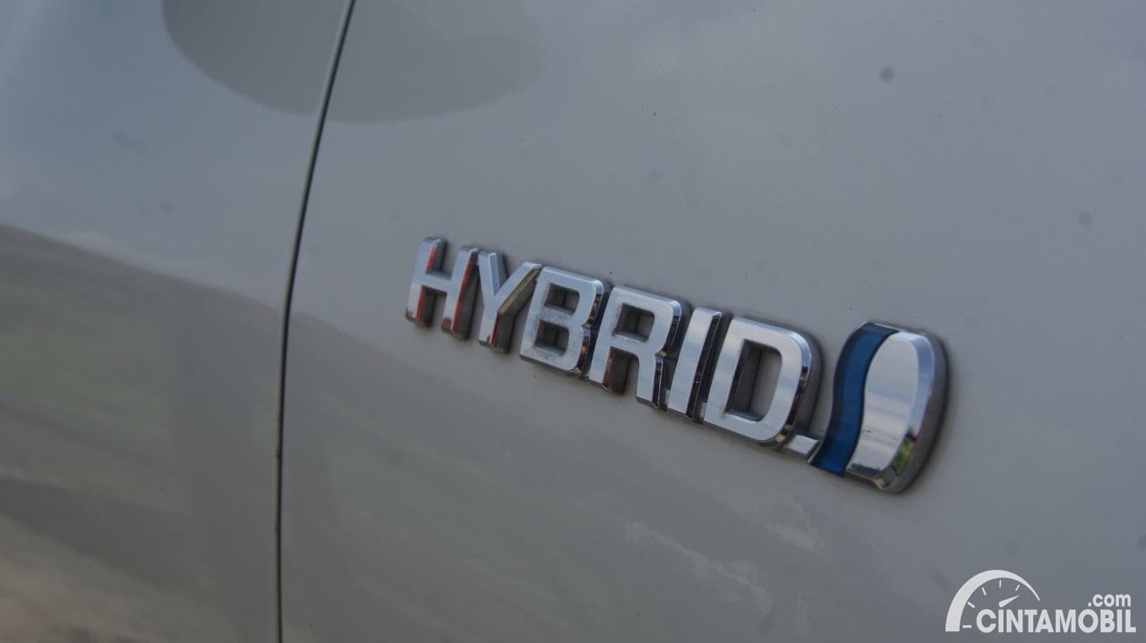 Mau Simpan Mobil Hybrid Dan Elektrik? Jangan Isi Baterai Sampai Penuh