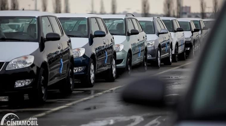 Target Penjualan Mobil di Indonesia Turun Hampir 50 Persen