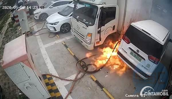 Waduh, 5 Mobil Listrik Terbakar Saat Sedang Isi Daya Baterai!