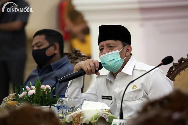 Foto menunjukkan Gubernur Banten, Wahidin Halim
