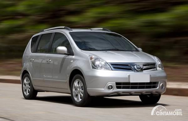Harga Mobil Grand Livina Bekas Kredit Kini Makin Terjangkau, Berminat?