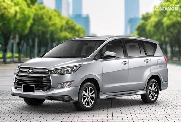 Toyota Kijang Innova dijual