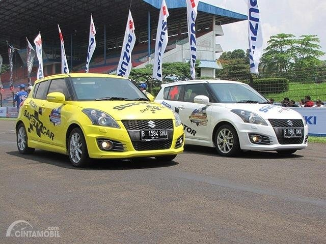 Foto Suzuki Swift Sport 2013