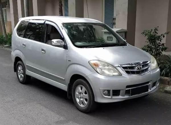 Toyota Avanza bekas dijual