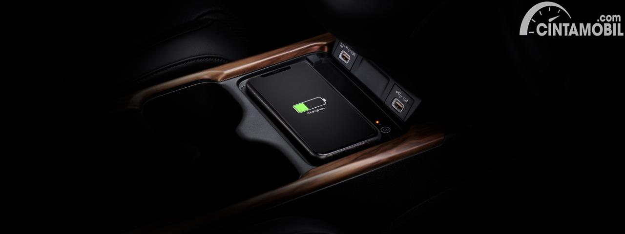 Gambar wireless charging Honda CR-V Facelift 2020