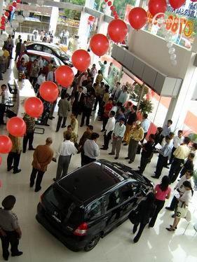 Gambar menunjukkan penjualan Honda Jazz booming