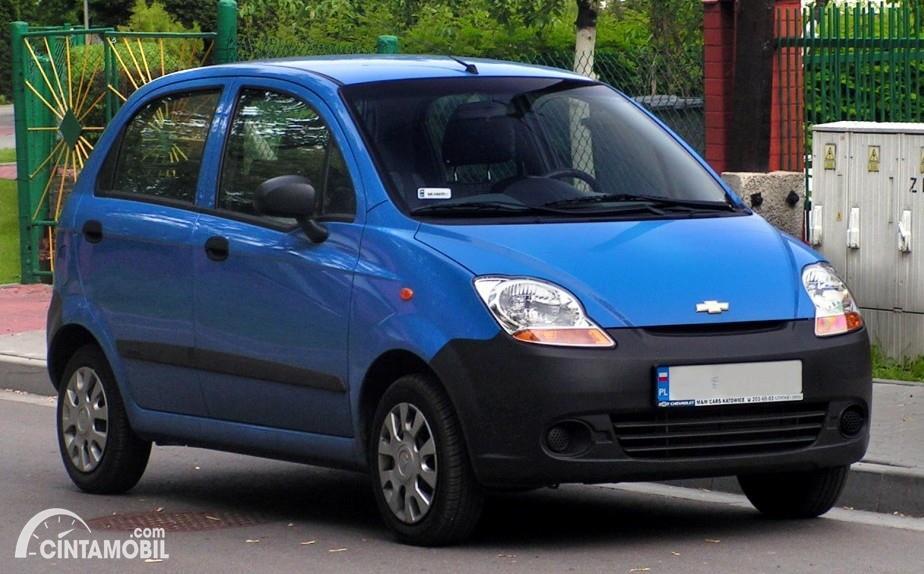 Gambar menunjukkan generasi kedua dari Chevrolet Spark