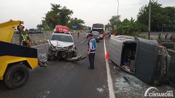 Foto salah satu Kecelakaan lalu lintas di jalan tol