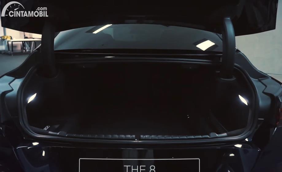 bagasi BMW 840i M Technic Gran Coupe 2020 berwarna hitam