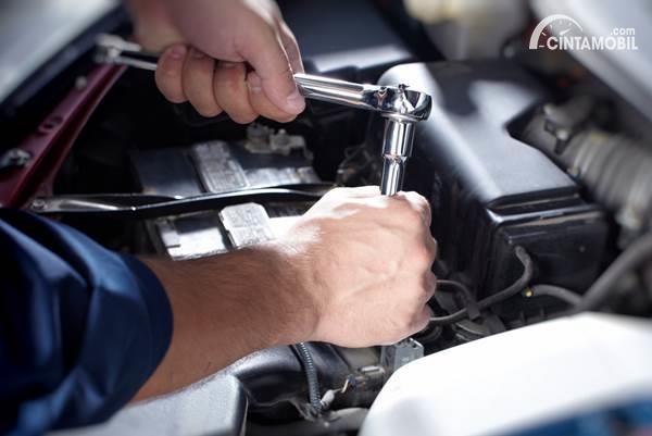 Berapa Biaya Tune Up Mobil Di Bengkel Umum Dan Bengkel Resmi