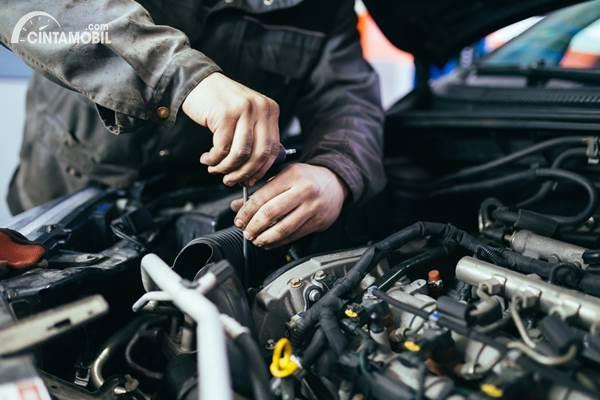 Mekanik mobil