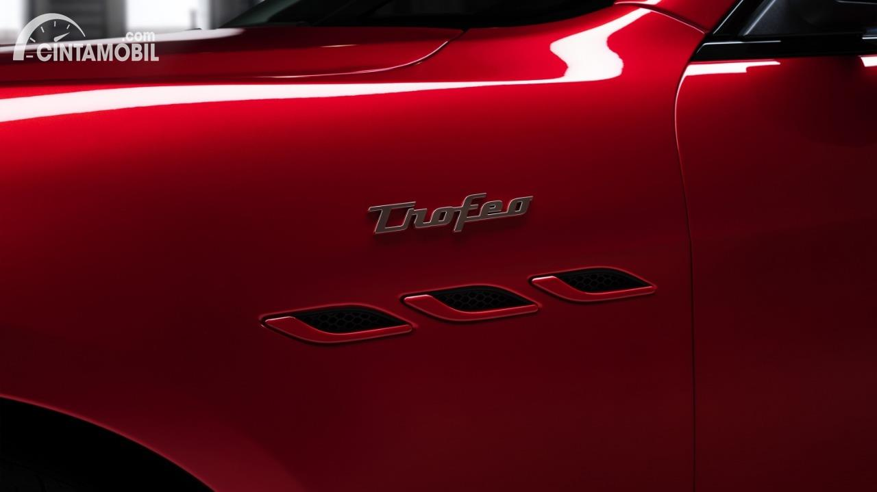 Emblem Maserati Ghibli Trofeo 2021