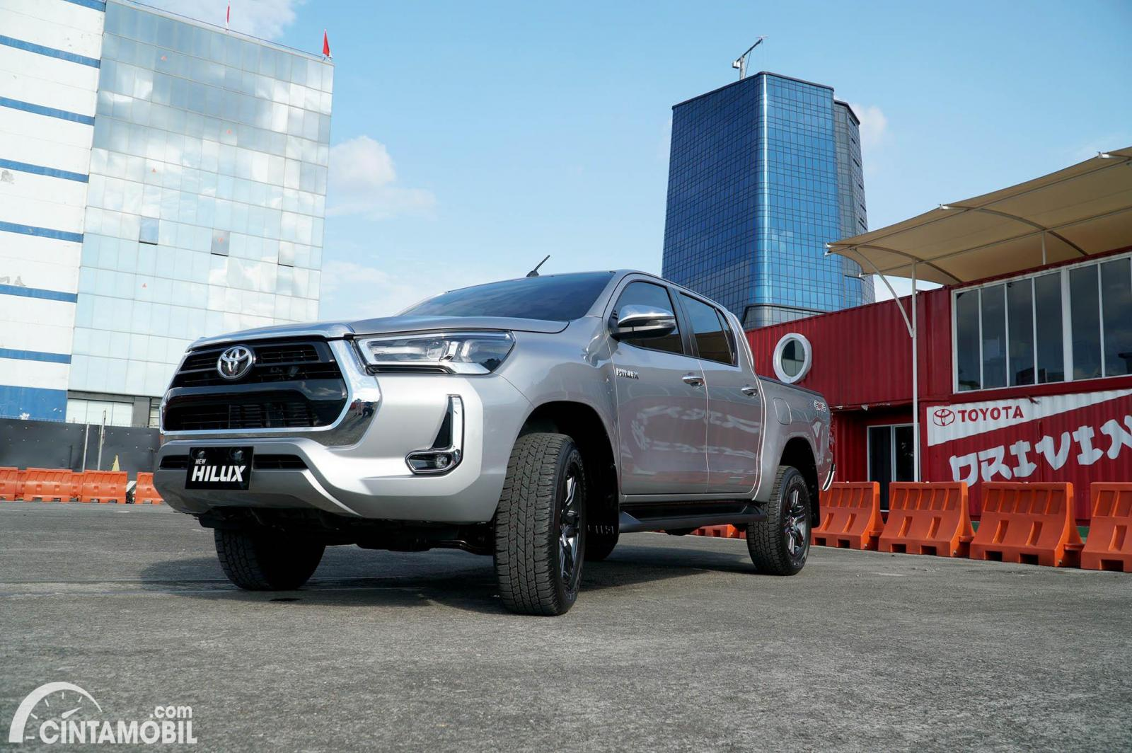Gambar Toyota New Hilux 2.4 V 4x4 AT 2020