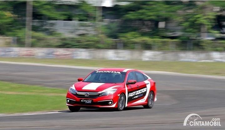 Gambar Honda Civic Turbo Sedan untuk Fast Doctor di Sentul