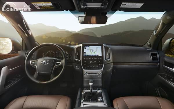 Toyota Land Cruiser Prado 2021 interior