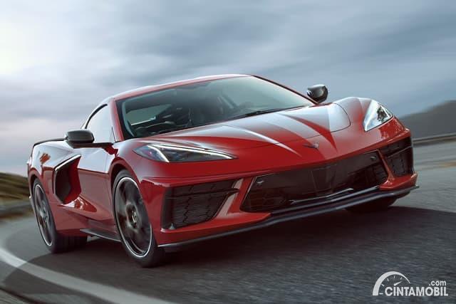 mobil baru Chevrolet Corvette Stingray 2020 berwarna merah