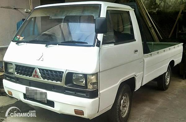 Mitsubishi L300 Pick Up Bekas