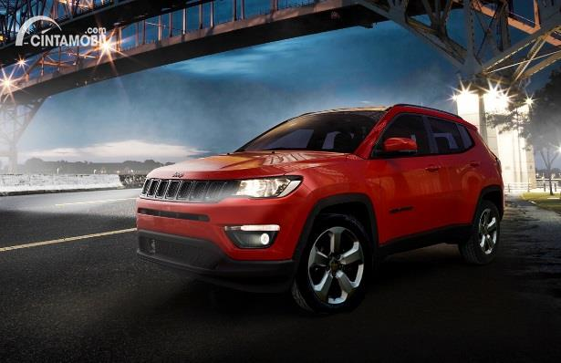Gambar menunjukan Jeep Compass
