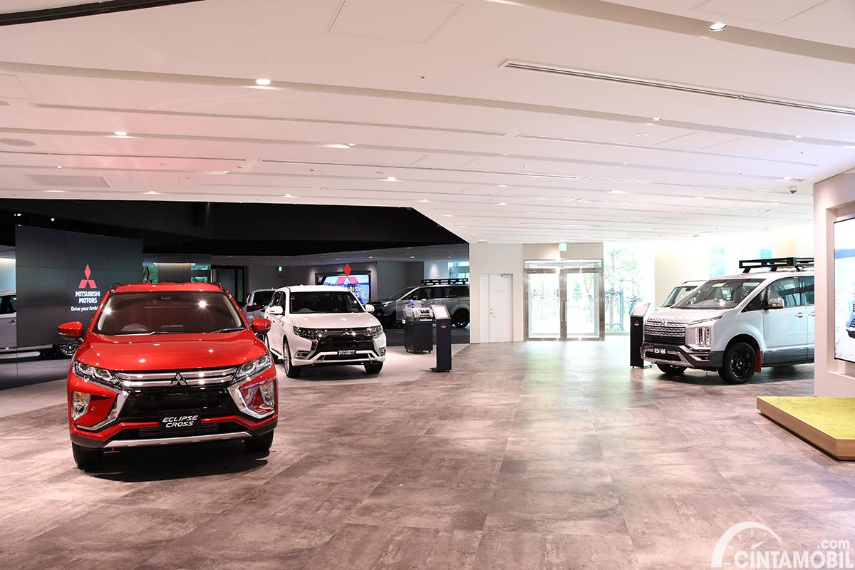 Gambar area showroom Mitsubishi MI-Playground