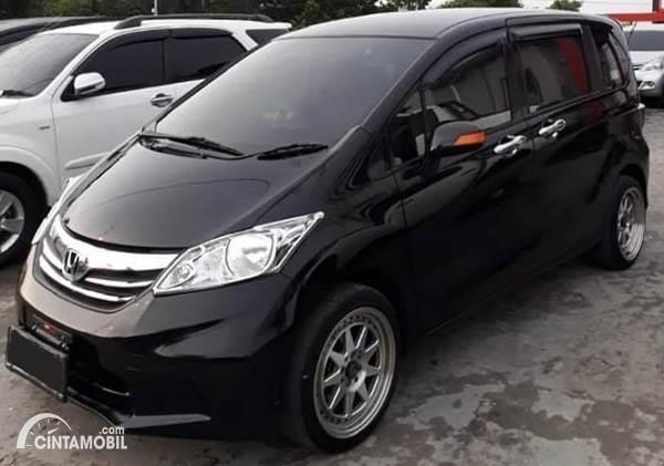 Honda Freed Bekas dijual
