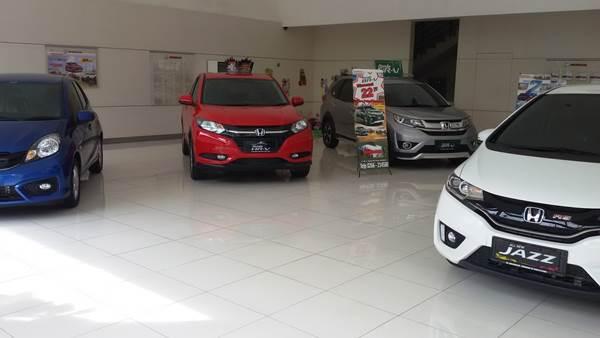 Dealer Mobil Honda