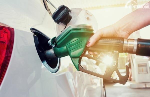 Gambar menunjukan Pom bensin