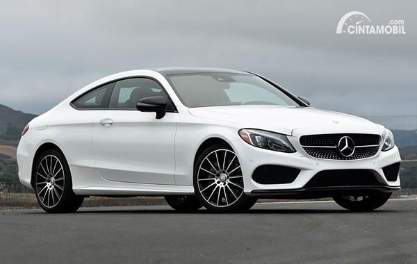 5 Pilihan Harga Mobil Mercedes Benz Sport 2 Pintu Terbaru